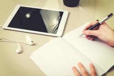 tablette numérique et cahier