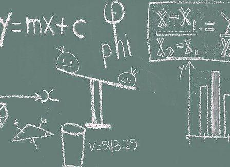 tableau noir avec maths