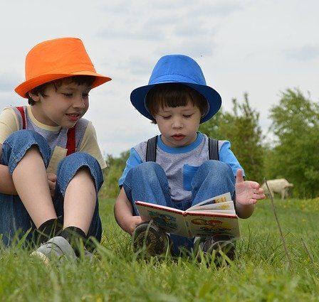 enfants qui lisent