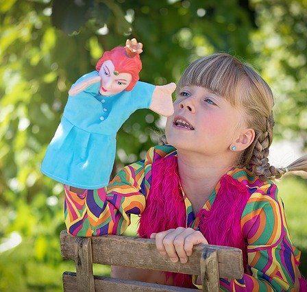 enfant et marionnette
